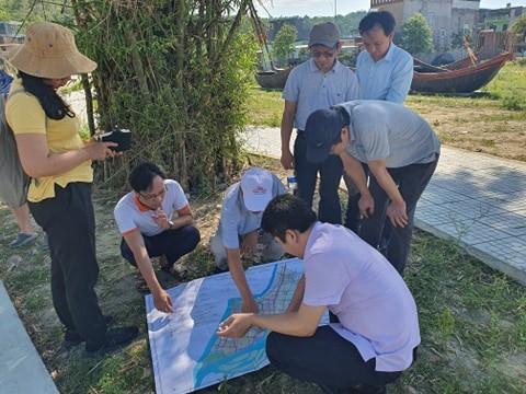 Khảo sát Làng bích họa Trường Lệ, Sầm Sơn, Thanh Hóa